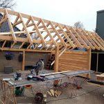 Bouw maatwerk Douglas hout veranda met berging Nunspeet Van de Brake Bouw.